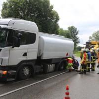 2017-07-25_B30_Unteressendorf_Tank-Lkw_Gefahrgut_Achsbruch_Feuerwehr_Poeppel-0001