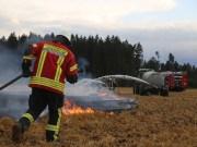 2017-08-05_Biberach_Tannheim_Krimmel_Feldbrand_Ballenpresse_Feuerwehr_Poeppel-0015