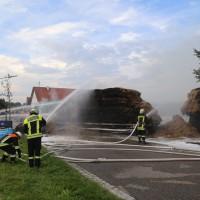 20170817_Unterallgaeu_B16_Hausen_Salgen_Lkw-Heuballen-Brand_Feuerwehr_Poeppel-0036