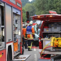 2017-09-06_B32_Geiselharz_Altkarbach_Kombi_Lkw_toedlich_Feuerwehr_Poeppel-0009