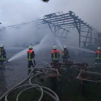 2017-09-08_Unterallgaeu_Hawangen_Brand_Maschinenhalle_Feuerwehr_Poeppel-0017