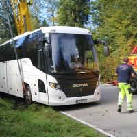 2017-09-27_Ostallgaeu_Fuessen_Reisebus-droht-zu-kippen_Bergung_Poeppel-0083