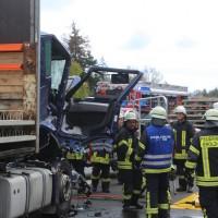 2017-10-06_A7_Dettingen_Berkheim_Lkw-Unfall_Feuerwehr_Poeppel_0002