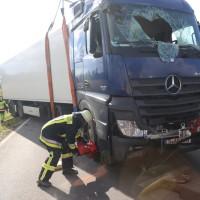 2017-10-07_B32_Staig_Lkw-Unfall_Bergung_Feuerwehr_Poeppel_0045