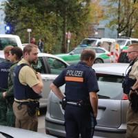 2017-10-21_Muenchen_Ottobrunner-Strasse_Messerstecher_Polizei_Poeppel-0022