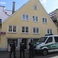 20171019_Memmingen_Groenenbach_Memmingerberg_Trunkelsberg_Kriminalpolizei_Spurensicherung_Durchsuchungsaktion_Poeppel_0006