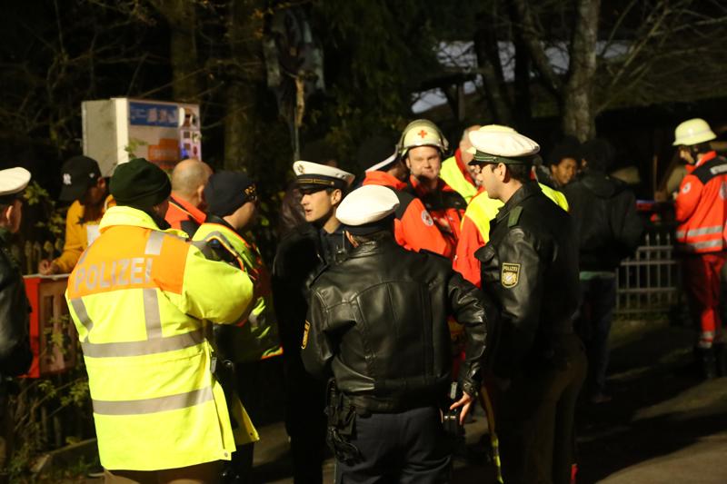 2017-11-03_Unterallgaeu-Ettringen_Siebnach_Brand_Asylunterkunft_Feuerwehr_Poeppel-0025