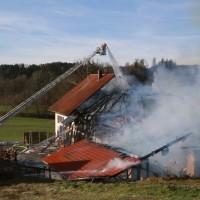 2017-11-04_Ravensburg_Wangen_Leupolz-Bauhof_Brand-Landwirtschaft_Feuerwehr_Poeppel_0012