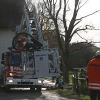 2017-11-04_Ravensburg_Wangen_Leupolz-Bauhof_Brand-Landwirtschaft_Feuerwehr_Poeppel_0018