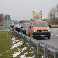 2017-11-16_A7_Kempten-Leubas_Unfall_Leinoel_Anhaenger_Polizei_Poeppel_0001