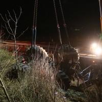 2017-11-20_A7_Dietmannsried_Leubas_Unfall_Traktor_Boeschungsarbeiten_Polizei_Kutter_Poeppel-0013