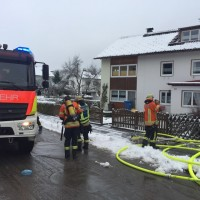 2017-11-29_Lindau_Lindenberg_Westallgaeu_Brand_Garage_Feuerwehr_Raedler_0008