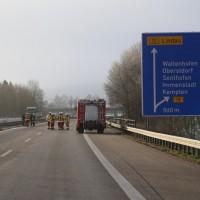 2017-12-06_A980_Durach_Waltenhofen_Unfall_Geisterfahrer_toedlich_Feuerwehr_Poeppel_0011