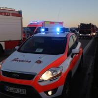 2017-12-24_A7_Groenenbach_Woringen_Unfall_schwer_Feuerwehr_Poeppel_0033