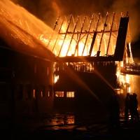 2017-12-24_Unterallgaeu_Altisried_Großbrand_Gebaeude_Feuerwehr_Poeppel_0056