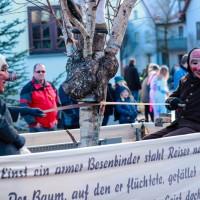 2018-01-21_Erolzheim_Narrenzunft_Deifel-weib_Narrensprung_Poeppel_0178