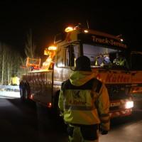 A96_Mindelheim_Stetten_Lkw-Unfall_Bergung_Nacht_Poeppel_0037