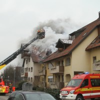 2018-02-22_Wangen_Allgaeu_Brand_Mehrfamilienhaus_Feuerwehr_Poeppel_0010