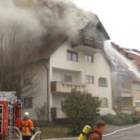 2018-02-22_Wangen_Allgaeu_Brand_Mehrfamilienhaus_Feuerwehr_Poeppel_0024