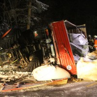 2018-03-02_Mooshausen_Haslach_Traktor-Unfall_Glaette_Feuerwehr_Bergung_0005