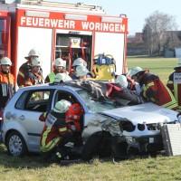 2018-03-14_Unterallgaeu_Woringen_Unfall_Pkw_Baum_Feuerwehr_0008