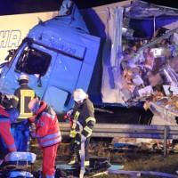 2018-03-16_A7_Dettingen_Lkw-Unfall_Feuerwehr_0014