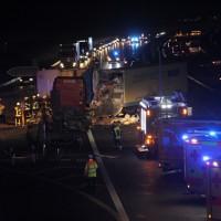 2018-03-16_A7_Dettingen_Lkw-Unfall_Feuerwehr_0046