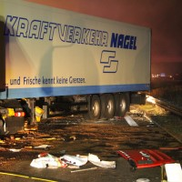2018-03-16_A7_Dettingen_Lkw-Unfall_Feuerwehr_Bergung_Kutter_Memmingen_0006