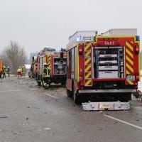 2018-03-19_B12_Kaufbeuren_Neugablonz_Lkw-Unfall_Feuerwehr_0015