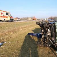 2018-03-24_A96_Mindelheim_Woerishoafen_Unfall_Ueberschlag_Feuerwehr_Bringezu_0006