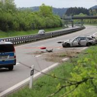 2018-05-03_A96-Wangen_Pkw_Bruecke_schwer_Polizei20180503_0007