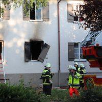 2018-06-14_Memmingen_Zimmerbrand_Mehrfamilienhaus_Feuerwehr_0004
