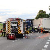 2018-06-21_B30_Oberessendorf_Unfall_Lkw_Pkw_toedlich_Feuerwehr_0042