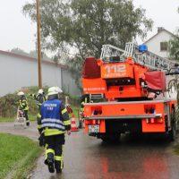 2018-07-22_Biberach_Tannheim_Brand_Heustock_Halle_Feuerwehr_Poeppel_0005