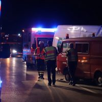 2018-08-03_A96_Memmingen_Holzguenz_Unfall_Transporter_Feuerwehr_0001