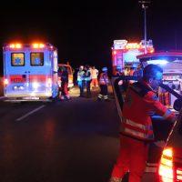 2018-08-03_A96_Memmingen_Holzguenz_Unfall_Transporter_Feuerwehr_0004
