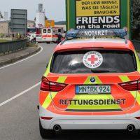 2018-08-08_B16_Pfaffenhausen_Unfall_Frontal_Feuerwehr_00001