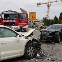 2018-08-08_B16_Pfaffenhausen_Unfall_Frontal_Feuerwehr_00006