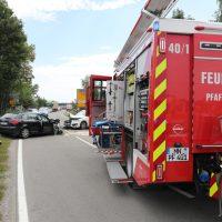 2018-08-08_B16_Pfaffenhausen_Unfall_Frontal_Feuerwehr_00008