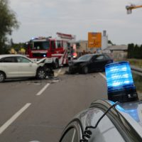 2018-08-08_B16_Pfaffenhausen_Unfall_Frontal_Feuerwehr_00015