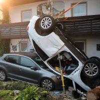 2018-09-16_Ostallgaeu_Stetten-Auerberg_Unfall_Pkw-Wohnhaus_Feuerwehr_00005