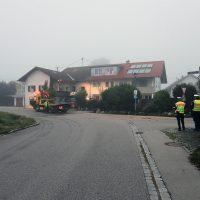 2018-09-16_Ostallgaeu_Stetten-Auerberg_Unfall_Pkw-Wohnhaus_Feuerwehr_00010