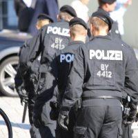 2018-09-30_Unterallgaeu_Ottobeuren_AFD_Bunt_DEMO_Polizei_00024