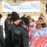2018-09-30_Unterallgaeu_Ottobeuren_AFD_Bunt_DEMO_Polizei_00063