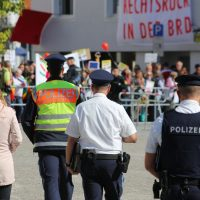 2018-09-30_Unterallgaeu_Ottobeuren_AFD_Bunt_DEMO_Polizei_00095