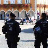 2018-09-30_Unterallgaeu_Ottobeuren_AFD_Bunt_DEMO_Polizei_00129