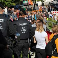 2018-09-30_Unterallgaeu_Ottobeuren_AFD_Bunt_DEMO_Polizei_00190