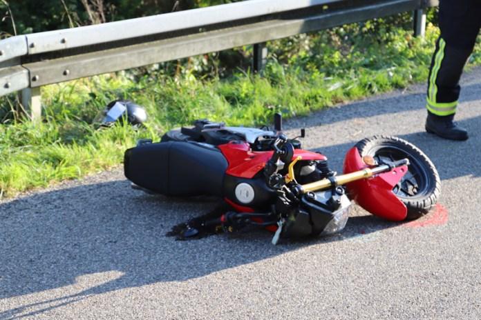 2018-09-30_Unterallgaeu_Aichstetten_Lautrach_Motorrad_Unfall_Feuerwehr_00005