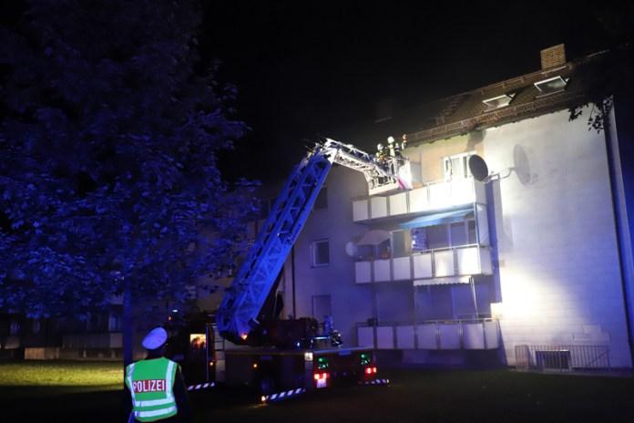2018-10-11_Memmingen_Mehrfamilienhaus_Kellerbrand_Feuerwehr_Poeppel20181011_0004