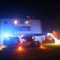 2018-10-11_Memmingen_Mehrfamilienhaus_Kellerbrand_Feuerwehr_Poeppel20181011_0021